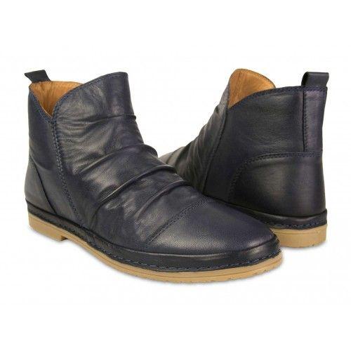 Sandalias negras de piel...