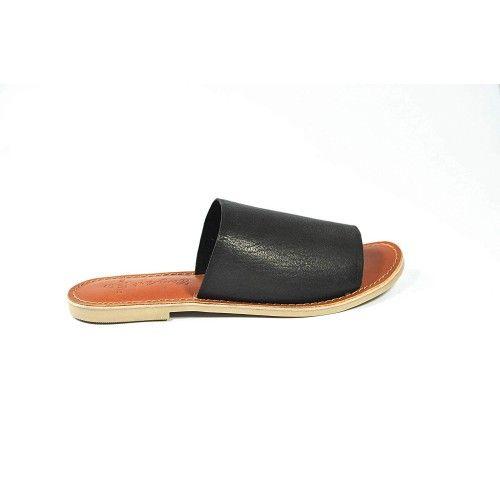 Sandalias de piel lisa planas