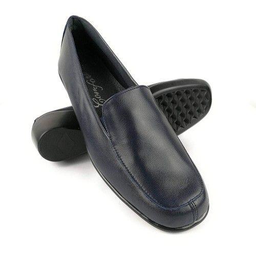 Zapato de piel elegantes y...