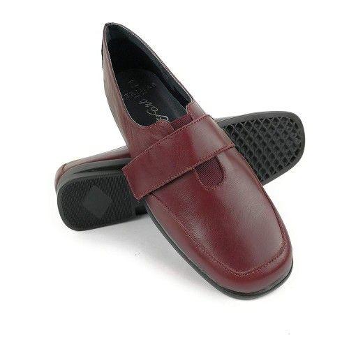 Zapatos de piel elegantes y...