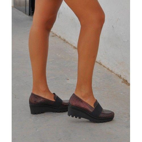 Zapatos con cuña de cierre...