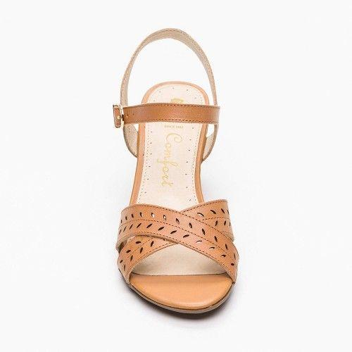 Sandalias de piel con tacon...
