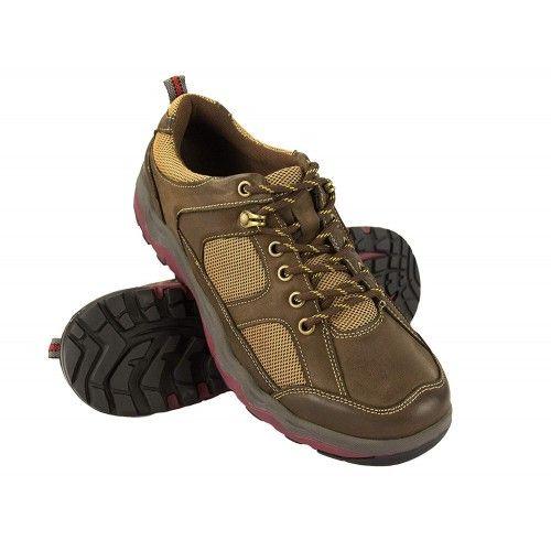 Scarpe sportive con lacci...