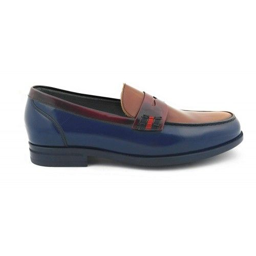 Bicolor leather flats...
