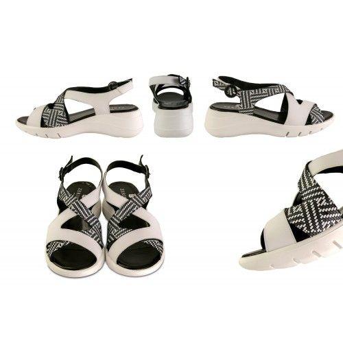 Sandalias de piel bicolor...