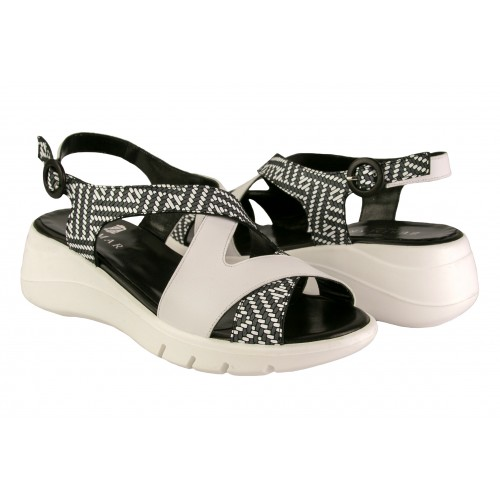 Two-tone leather sandals...
