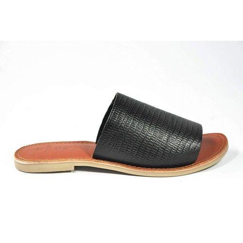 Sandalias de piel grabada...