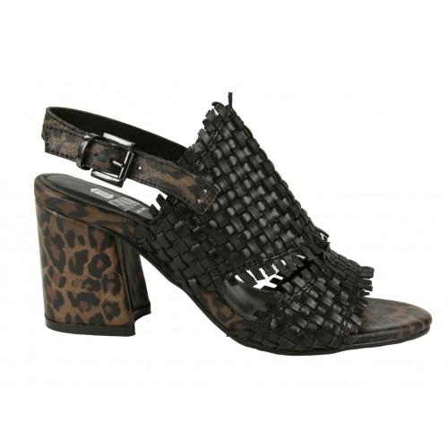 Skórzane sandały w pleciony...